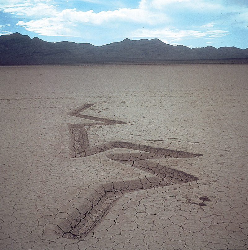 F_Michael-Heizer,-Rift-1,-1968-at-Jean-Dry-Lake,-Nevada